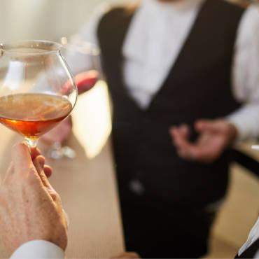 Een luxe tussendoortje met een High Tea of High Wine